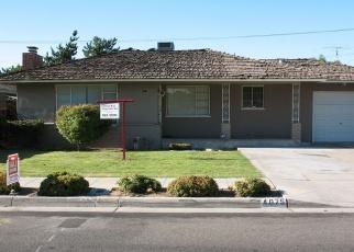 Foreclosed Home en E CLINTON AVE, Fresno, CA - 93703