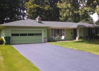 Foreclosed Home en HILLCREST DR, Penfield, NY - 14526