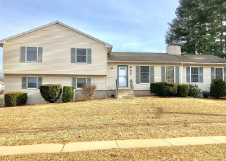 Foreclosed Home en N MAPLE ST, Enfield, CT - 06082