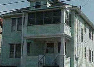 Foreclosed Home en TERRACE AVE, New London, CT - 06320