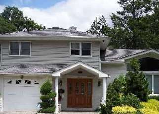 Foreclosed Home en GLOUCESTER CT, Westbury, NY - 11590