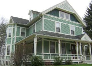 Foreclosed Home en CHURCH ST, Stafford Springs, CT - 06076