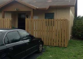 Foreclosed Home en NW 188TH TER, Hialeah, FL - 33015