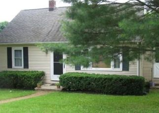 Foreclosed Home en WHITLOCK AVE, Bethel, CT - 06801