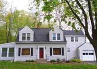 Foreclosed Home en LAUREL HEIGHTS RD, Shelton, CT - 06484
