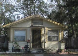 Foreclosed Home en DANSON ST, Jacksonville, FL - 32209