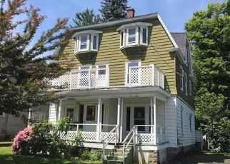 Foreclosed Home en PROSPECT ST, Jamestown, NY - 14701
