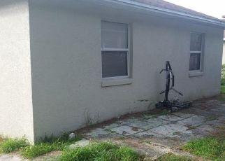 Foreclosed Home en S EASTSIDE DR, Lakeland, FL - 33801