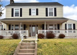 Foreclosed Home in PEARL ST, Enfield, CT - 06082