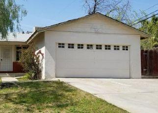 Foreclosed Home en FLINT DR, Bakersfield, CA - 93306