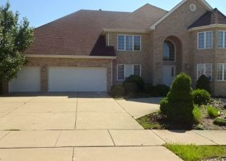 Foreclosed Home en WOODLAND DR, South Holland, IL - 60473