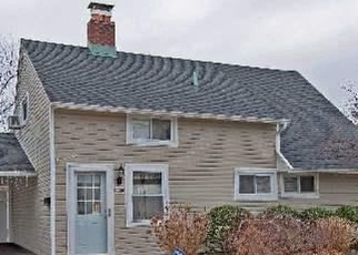 Foreclosed Home in BLACKSMITH RD E, Levittown, NY - 11756