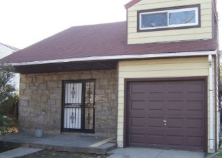 Foreclosed Home en RIVERSIDE BLVD, Long Beach, NY - 11561