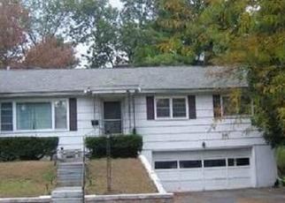 Foreclosed Home en SHERIDAN ST, Glens Falls, NY - 12801