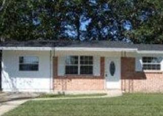 Foreclosed Home en LANE AVE S, Jacksonville, FL - 32210