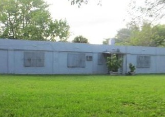 Foreclosed Home en NW 28TH AVE, Opa Locka, FL - 33054