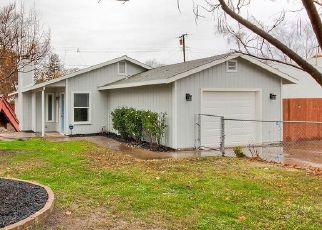Foreclosed Home en HARRIS AVE, Sacramento, CA - 95838