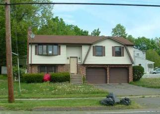 Foreclosed Home en MAIN ST, Berlin, CT - 06037