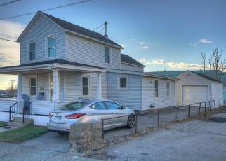 Foreclosed Home en OAK ST, Groton, CT - 06340