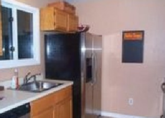 Foreclosed Home en EASTVIEW DR, Brookfield, CT - 06804