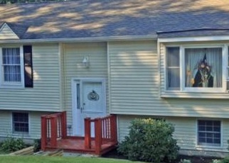 Foreclosed Home en PLEASANT HILL RD, Newtown, CT - 06470