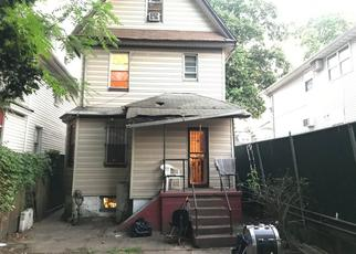 Foreclosed Home en 135TH ST, South Richmond Hill, NY - 11419