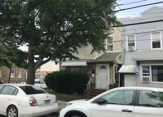 Foreclosed Home en 95TH AVE, Ozone Park, NY - 11416