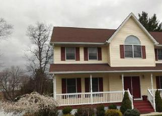 Foreclosed Home en SUFFERN LN, Thiells, NY - 10984