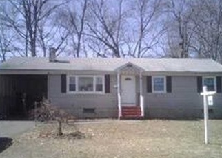 Foreclosed Home en BANFIELD LN, Bloomfield, CT - 06002