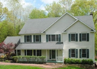 Foreclosed Home en OWL RIDGE LN, Sandy Hook, CT - 06482