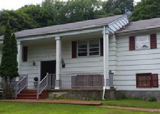 Foreclosed Home en MADISON AVE, Trumbull, CT - 06611