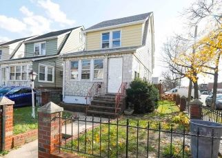 Foreclosed Home en 119TH AVE, Jamaica, NY - 11436
