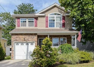 Foreclosed Home in HARRISON AVE, Franklin Square, NY - 11010