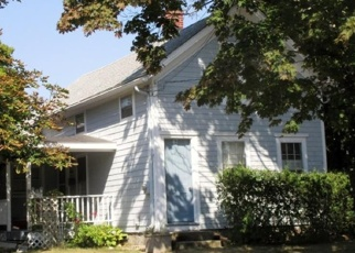 Foreclosed Home en SOUTH RD, Groton, CT - 06340