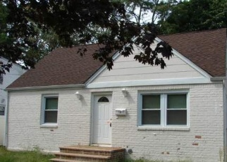 Foreclosed Home in DALE PL, Uniondale, NY - 11553