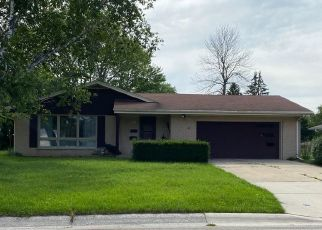 Foreclosed Home en MILLBANK RD, Greendale, WI - 53129