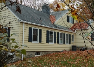 Foreclosed Home en LAKEVIEW RD, Brookfield, CT - 06804