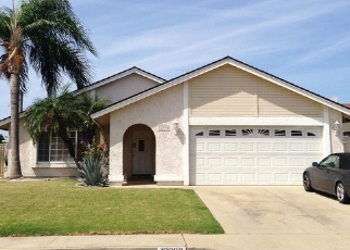 Foreclosed Home en KUMQUAT PL, Chino, CA - 91710