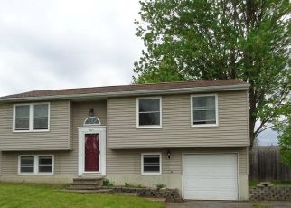 Foreclosed Home en FIRENZE LN, Clay, NY - 13041
