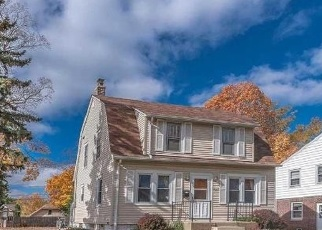 Foreclosed Home en S 80TH ST, Milwaukee, WI - 53219