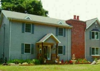 Foreclosed Home en ALFRED PL, Walden, NY - 12586
