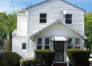 Foreclosed Home in LEXINGTON AVE, Malverne, NY - 11565