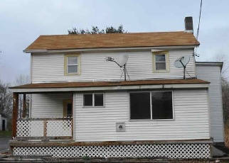 Foreclosed Home en HUNTERSLAND RD, Middleburgh, NY - 12122