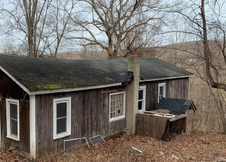 Foreclosed Home in RIVERSIDE RD, Sandy Hook, CT - 06482