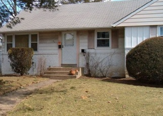 Foreclosed Home in LYNNE RD, Wantagh, NY - 11793
