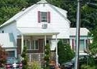 Foreclosed Home en OCEANSIDE RD, Oceanside, NY - 11572