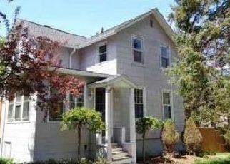 Foreclosed Home en CEDAR ST, Terryville, CT - 06786