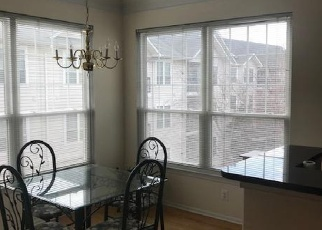 Foreclosed Home en SPRING GATE DR, Mc Lean, VA - 22102