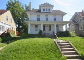 Foreclosed Home en WAYNE AVE, Upper Darby, PA - 19082