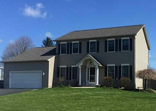 Foreclosed Home en CORNFLOWER WAY N, East Syracuse, NY - 13057